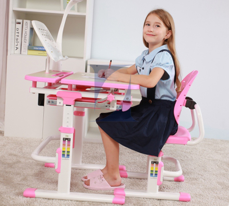 Ways of selecting the best Kids study table Singapore for your child